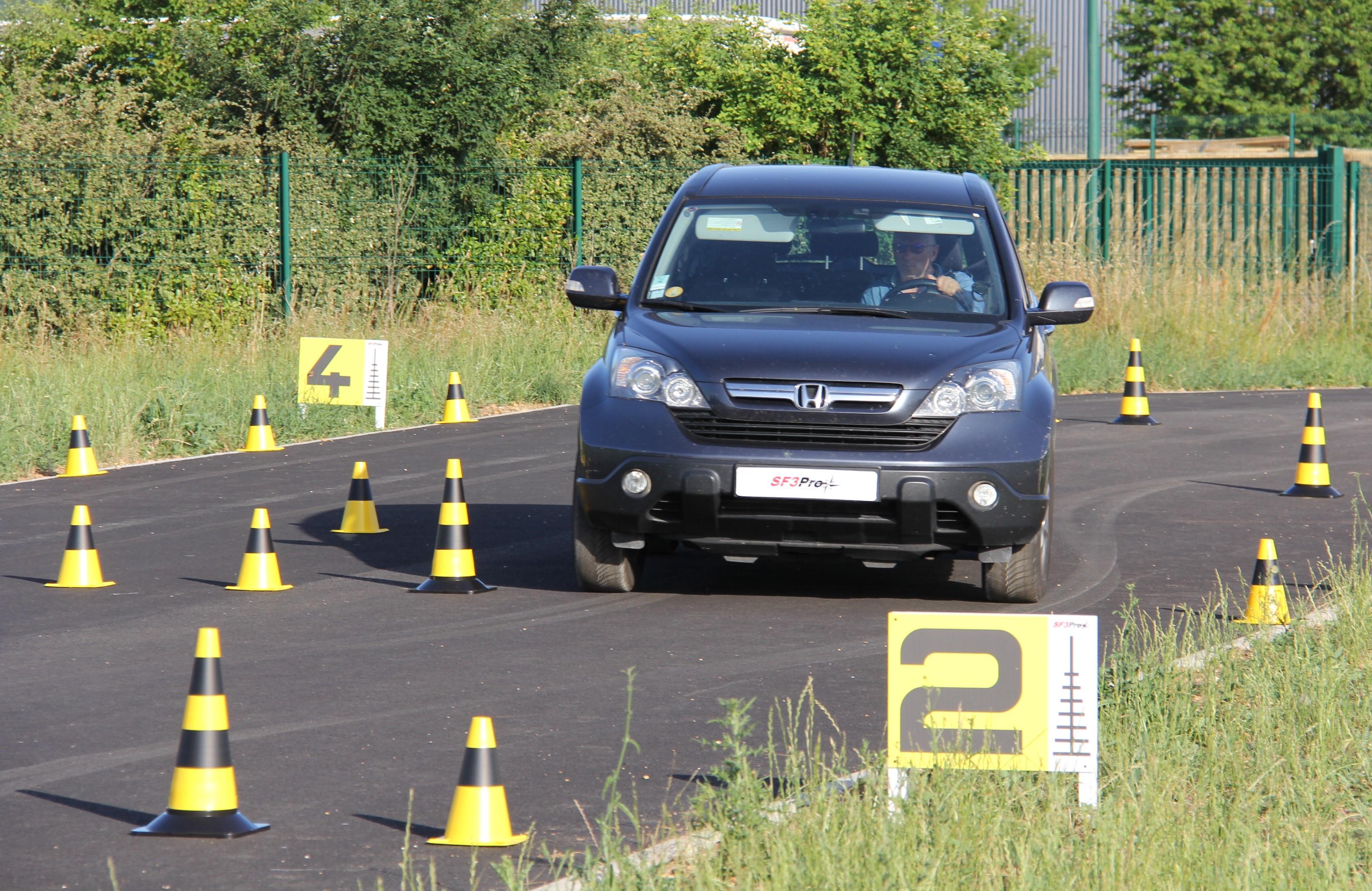 SF3PRO : Stage de conduite stratégique et de sécurité (Photo non contractuelle. Droits réservés)